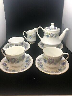 Vintage By Appointment To Her Majesty The Queen Paragon Fine Bone China Set