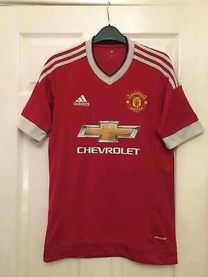Manchester United Adidas Shirt Small 2015 /2016