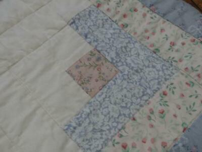 Pure Country Elegance Log Cabin Blue Clear Sky Oak Rocking Chair Vintage Quilt