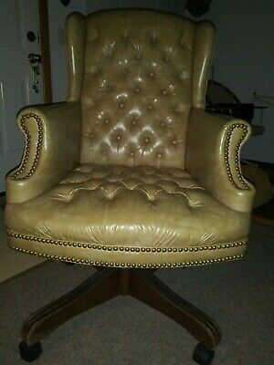 Vintage Faux Leather Tufted Office Desk Chair On Wheels *High Point Chair Co.