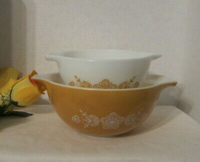 VTG Pyrex Set of 2 Butterfly Gold Cinderella Mixing/Nesting Bowls #441 #442