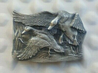 VINTAGE 1977 BERGAMOT DUCKS LANDING IN POND PEWTER BELT BUCKLE Original cond.