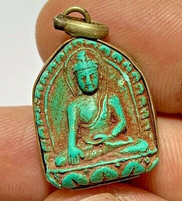 FANTASTIC PENDANT SILVER COLORED FAIENCE SEATED BUDDHA FIGURINE RARE 7gr 30.1mm