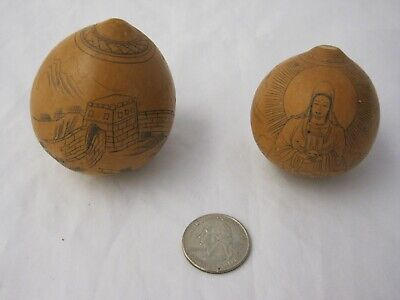 "Pair of Small 2"" Etched Scrimshaw Gourds Asian Oriental Chinese"