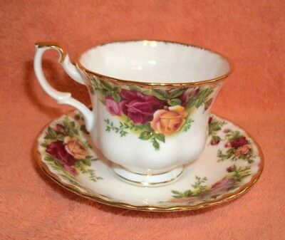 Royal Albert - Old Country Roses - Tea Cup And Saucer