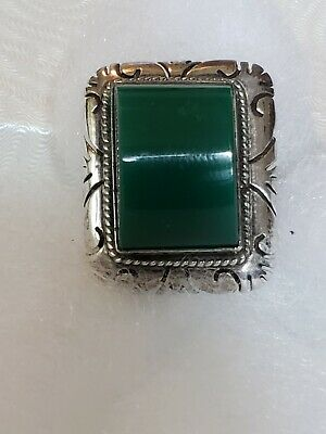 Vintage  Mexico Sterling Silver Ring  Jade Green Detailed Etched Mounting UNIQUE