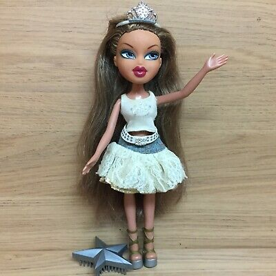 Bratz Princess Fianna Doll With Outfit - Skirt Top Shoes