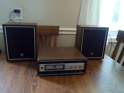 Vintage Solid State 8 Track Player With Speakers