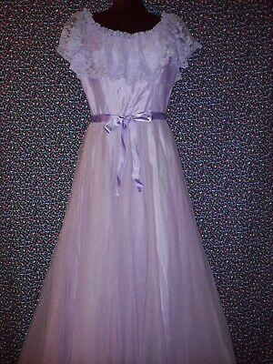 Genuine Vintage 70s 80s Lilac Tulle and Lace Prom, Bridesmaid Dress Size 10