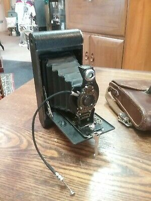 Vintage Kodak no 2 folding autographic brownie camera with case.