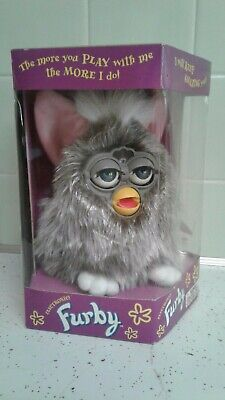 1998 FURBY 70-800 Tiger Electronics Silver, Pink Ears, Blue Eyes in Box