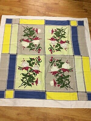 Vintage Collectable Pretty Floral  Fushcia Tablecloth