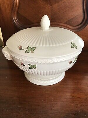 Wedgewood Moss Rose Serving Dish Soup Tureen With Spare Lid