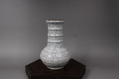 Chinese Ancient Song Dy Guan Kiln white Porcelain round Vases