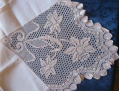 Vintage Hand  Filet Crocheted Daffodil Supper / Cloth With Hand Crocheted Edge