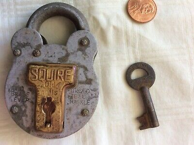 Antique Squire Padlock Forged Steel Shackle with Key