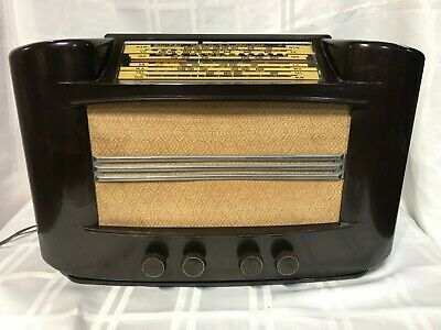Vintage valve radio Philips 2262 1940. Working condition.