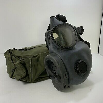 US Military M18C2 Chemical Biological Gas Mask and Carrying Bag