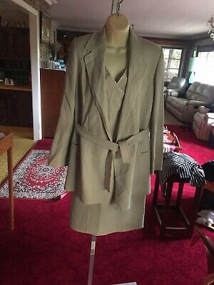 Versace Classic V2 Size 42 Dress And Coat Suit .