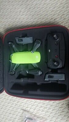 DJI Spark Quadcopter Fly More Combo  Meadow Green with accessories
