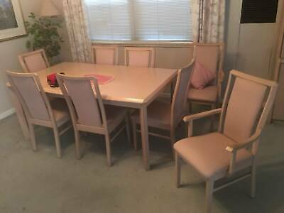 Extendable Dining Table with matching 8x high back  chairs & carver