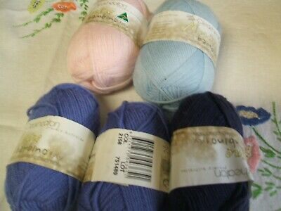 5 Balls Of Cleckheaton Bambino 4 Ply 3 X 25 Gms + 2 X 50Grams  Withlabels ...New