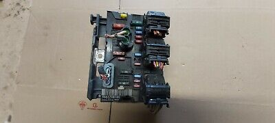 Peugeot Citroen Under Bonnet Fuse Box 9661708180 L10   ><