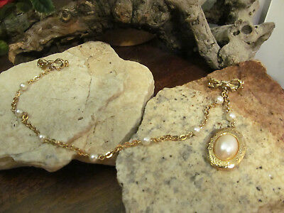Vintage Faux Pearl chain Locket on side Suit Bow Pin Neck Collar Tip