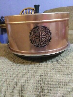 Vintage copper cake plate and lid 1940s. Good shape