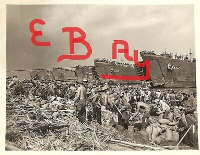Wwii Photo 11X14 Photo Uscg Lst's Landing At Leyte Gulf Philippines Lst Oct 1944