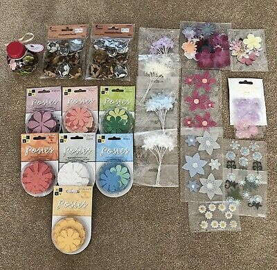 Large Mixed Lot of Craft Paper & Fabric Flowers - Assorted *LOT 1*
