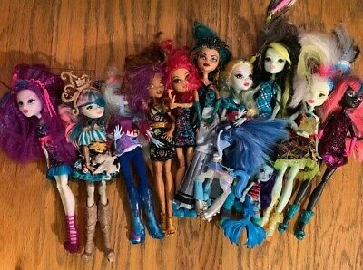 monster high doll lot 10 Dolls And 3 Smaller Ones
