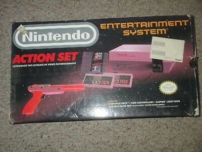 Nintendo NES Action Set Gray Console Complete in Box #ACT2