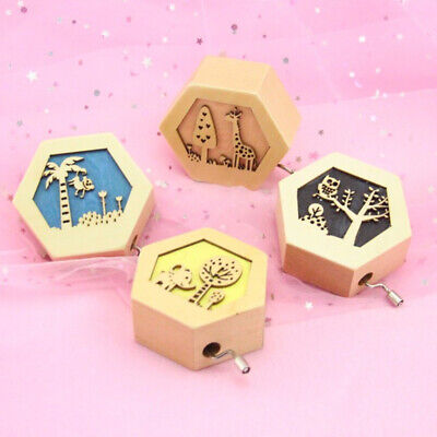 Mini Wooden Hand-cranked Music Box Hollow Forest Animal Wooden Crafts Case N7