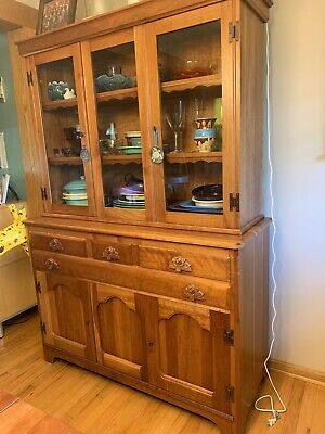 Willett Wildwood Cherry Dining Table, 4 Chairs, China Cabinet