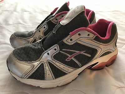girls LA gear tennis shoes silver and pink us size 3.5y