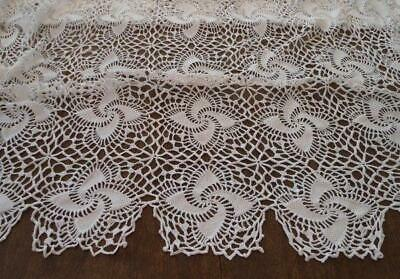 Vintage Crochet Lace Tablecloth Bedspread Pinwheel Stars Scalloped Picots
