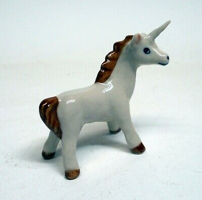 figurine licorne en porcelaine, miniature de collection,vitrine         tp14