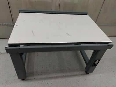 "Pneumatic Vibration Isolation Bench Table, 30"" x 47"""