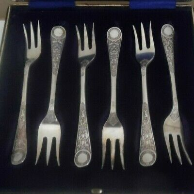 Antique Cooper Brothers Sheffield ..3 Prong Cake Entre Buffet Forks..boxed