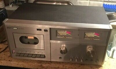 Harmon Kardon hk1500 Cassette Tape Player and accessories.