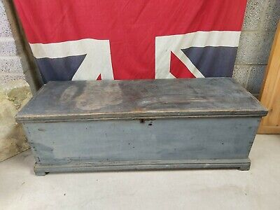 Large Vintage Wooden Treasure Chest Trunk Antique Coffee Table with Storage Box