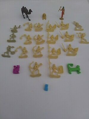 Lot Of 25 Plastic Egyptian Themed Figures Skeleton Army, Isis, Sphinx, etc.