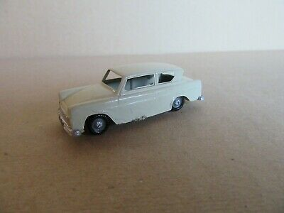 292K Ingap Italien 9 Ford Anglia England 1:70