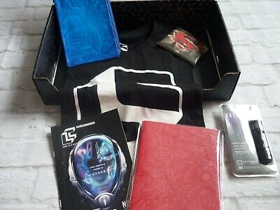 Loot crate bundle lot tshirt subscription M + marvel a5 notebook wallet torch DX