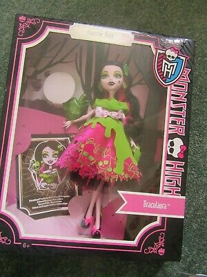 "Boxed Mattel Monster High Scary Tales ""Snow Bite""  Draculaura Doll."