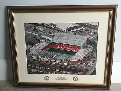 MAN UTD Old Trafford Vintage Memorabilia Theatre of Dreams Wooden Framed Print