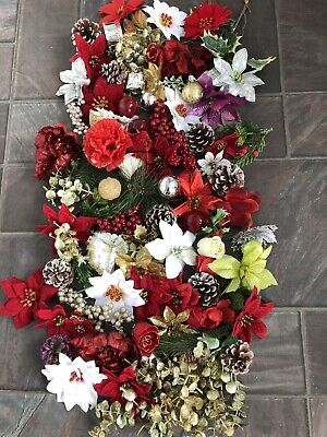 120 Xmas Flower Heads And Bits For Craft Cards Arrangements Wreaths