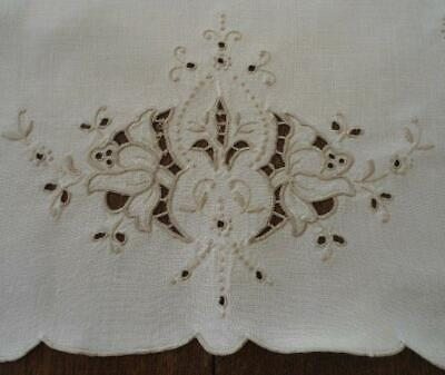 """Vintage Madeira Embroidered Table Runner Taupe Cutwork Eyelet Floral 30"""""""