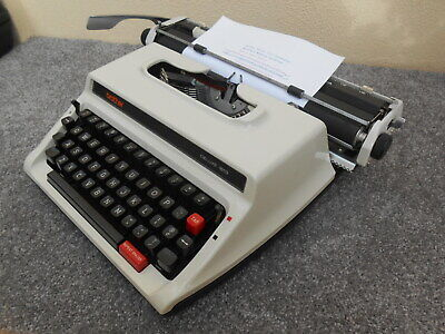 Vintage Brother Deluxe 1613 portable typewriter & case Ex. Cond. 1970s